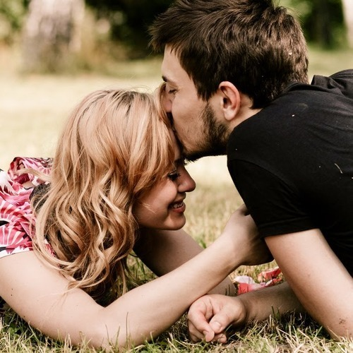 Play Dating Kiss 2 a free online game on Kongregate