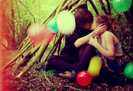 balloon,couple,cute,love,lovers,nature-f3fe1805d22b58d4c70f6034d79aac92_h_large